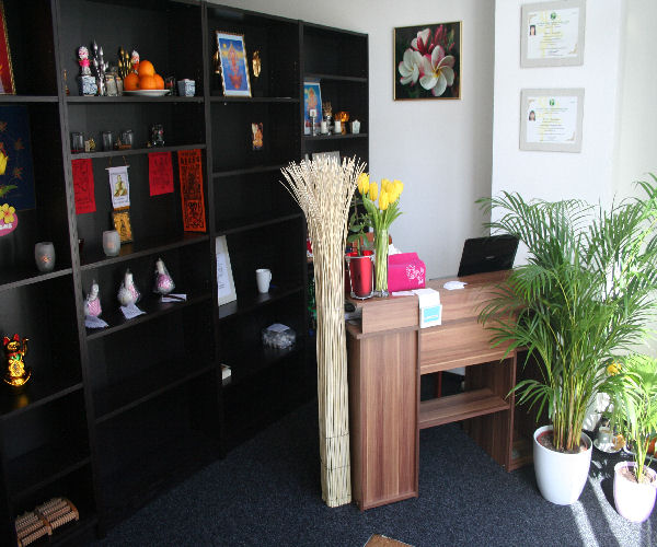 chokdee thaimassage studio bilder thaimassage eimsb ttel chokdee thaimassage. Black Bedroom Furniture Sets. Home Design Ideas